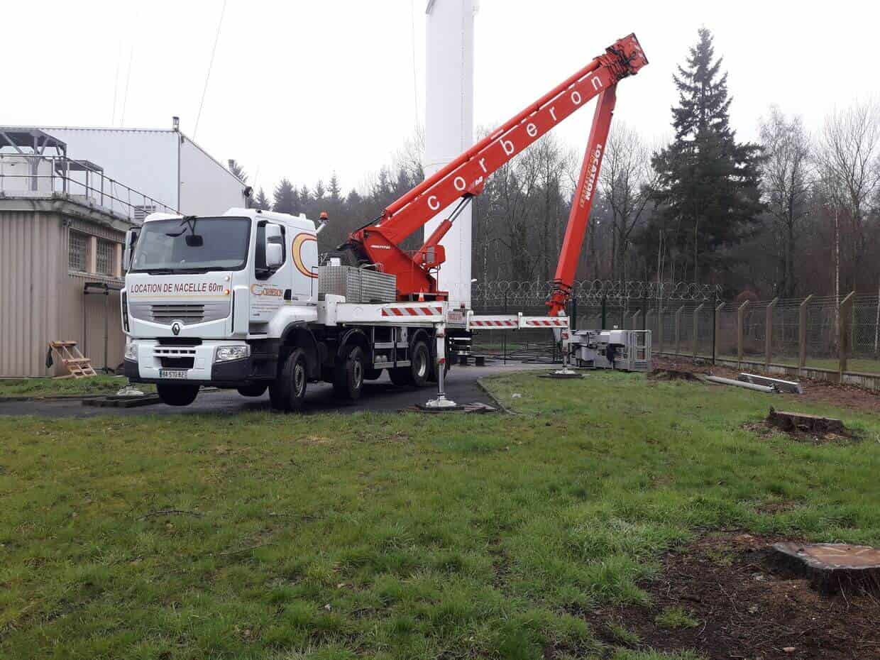 Nacelle PL 60m en action